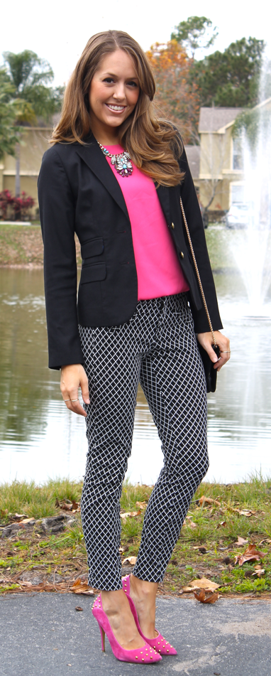 printed-pants-pink-shoes.png