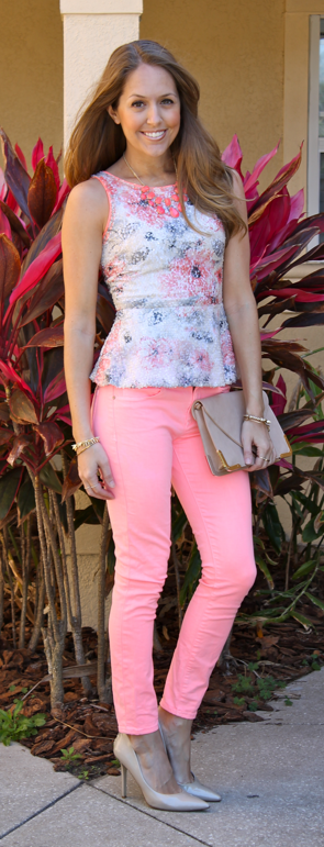coral jeans outfit