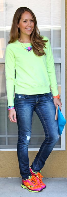Neon sweatshirt outfit