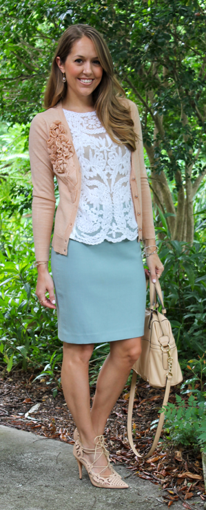 Scalloped lace outfit idea