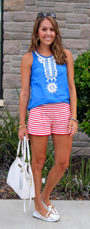 White boat shoes outfit