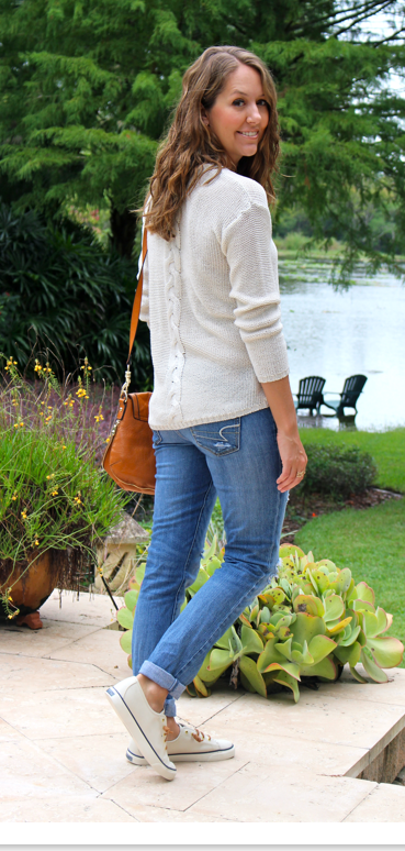 Knit sweater, jeans and canvas Sperry's
