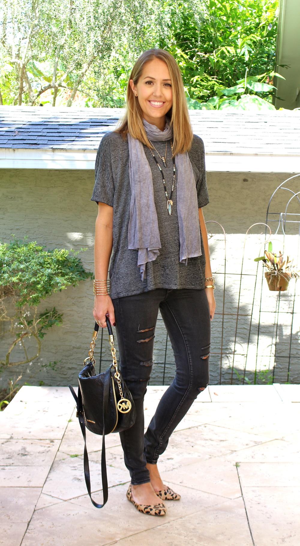 Gray tee, black jeans, leopard flats