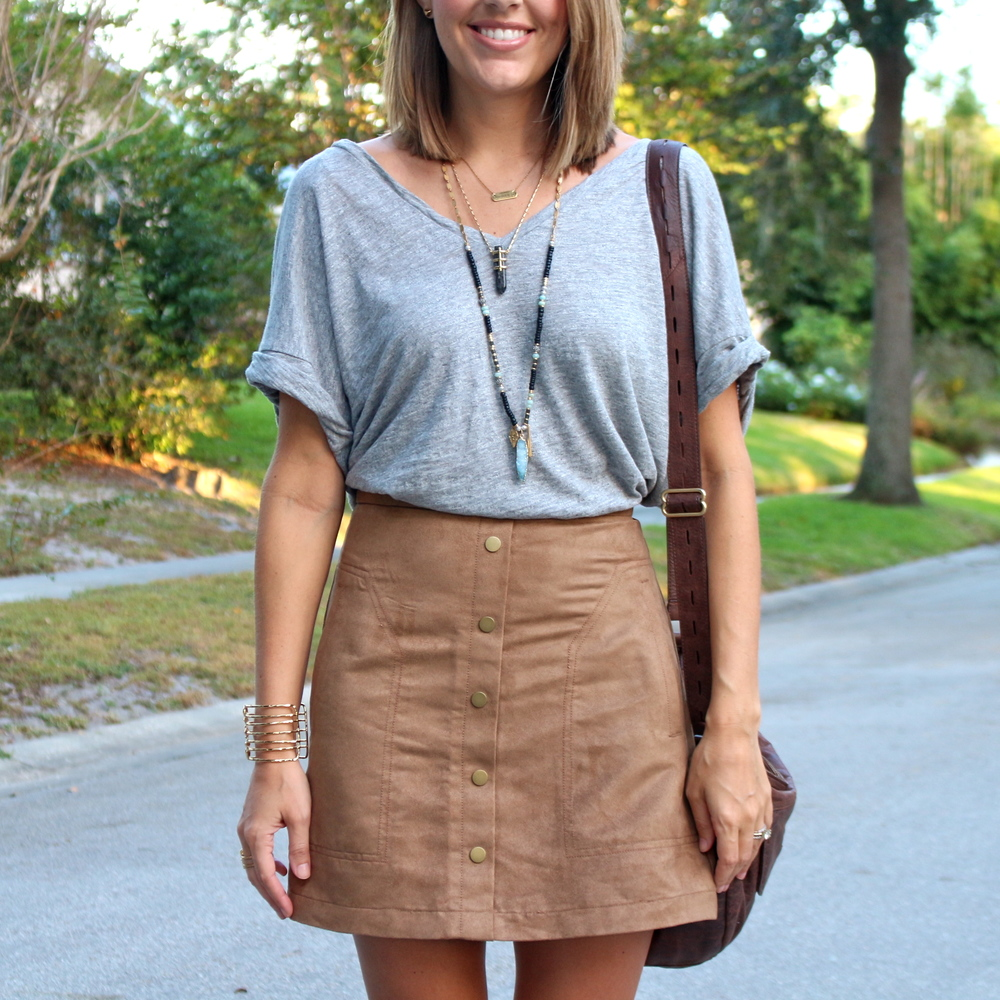 Gray tee with suede button front skirt
