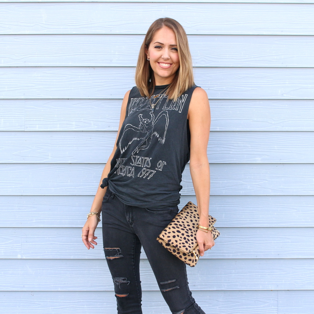 Graphic tee, leopard clutch