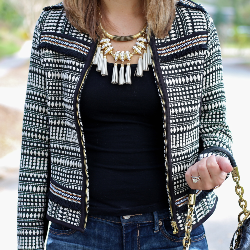 Jacquard weave jacket, white tassel necklace