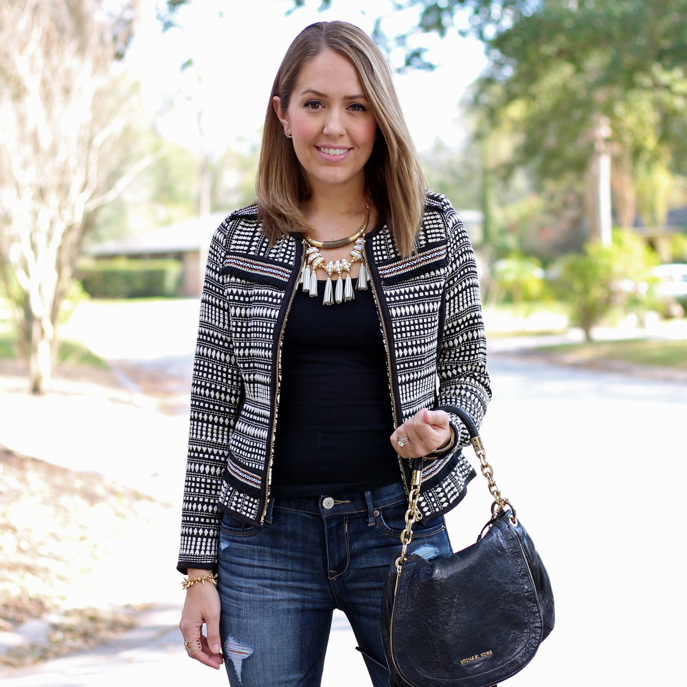 Jacquard weave jacket, white tassel necklace, skinny jeans