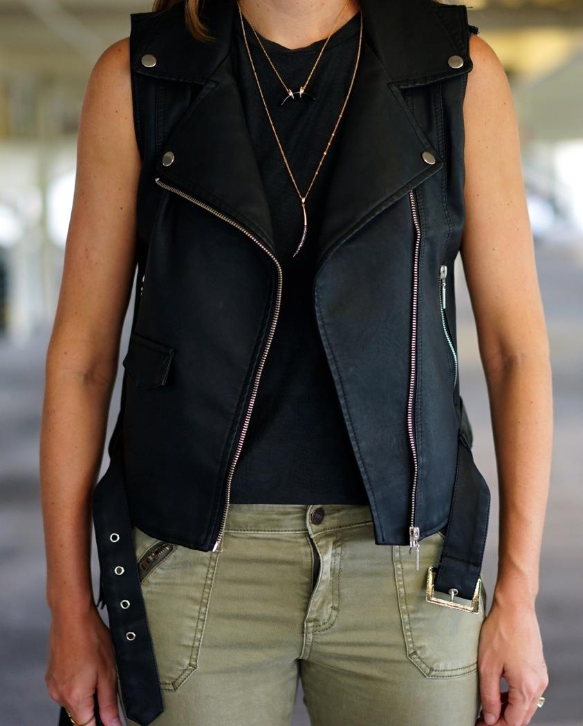 Moto vest, cargo skinnies