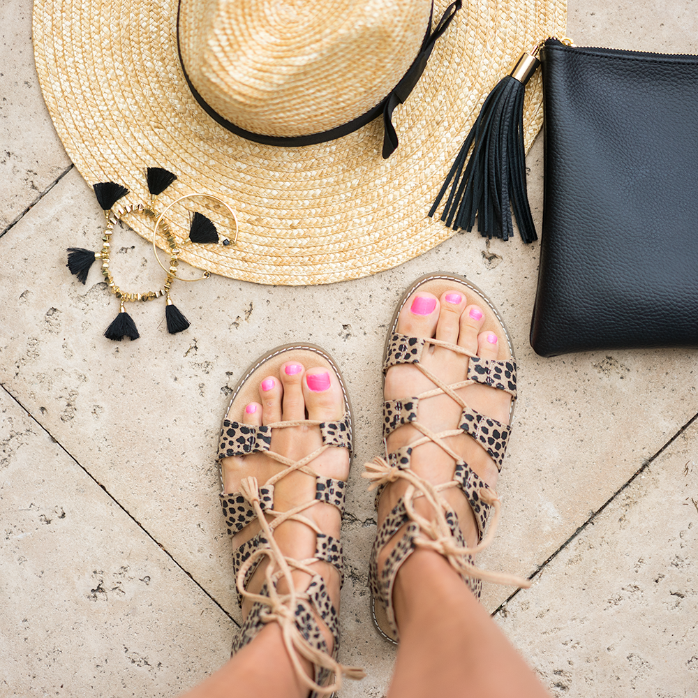 Leopard sandals, panama hat, black tassel
