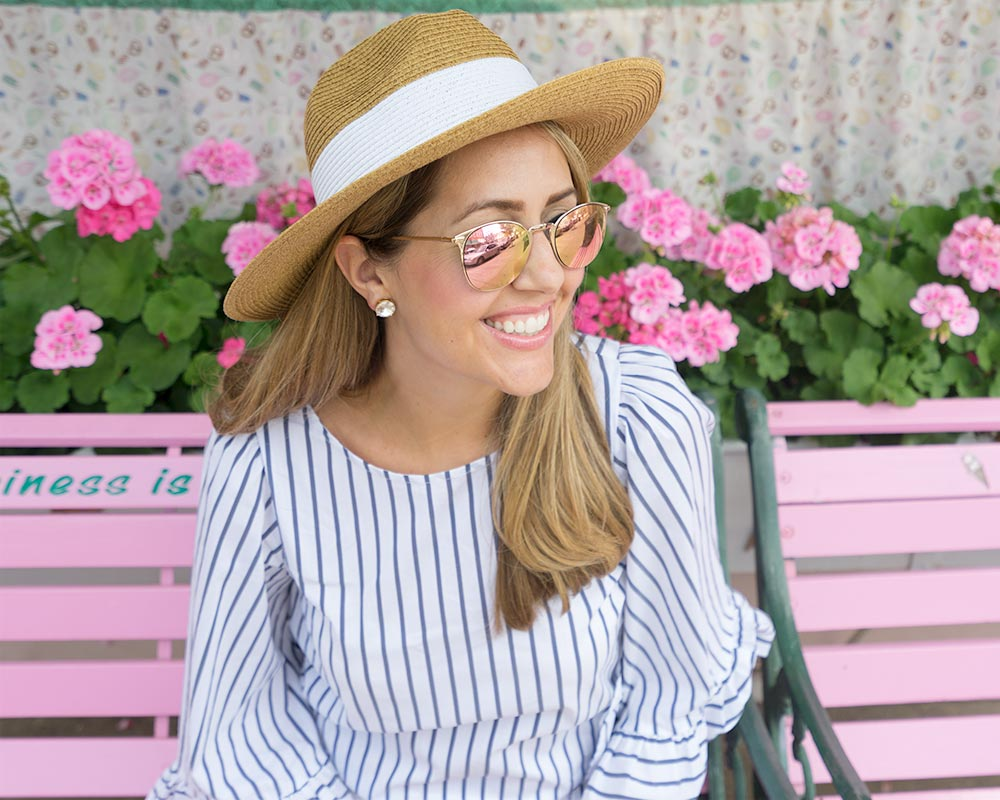 Ruffle sleeve stripe top, sun hat
