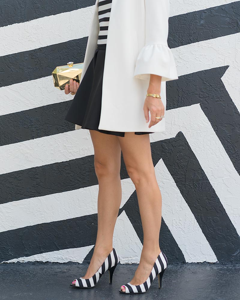 Black and white stripes outfit, bell sleeve