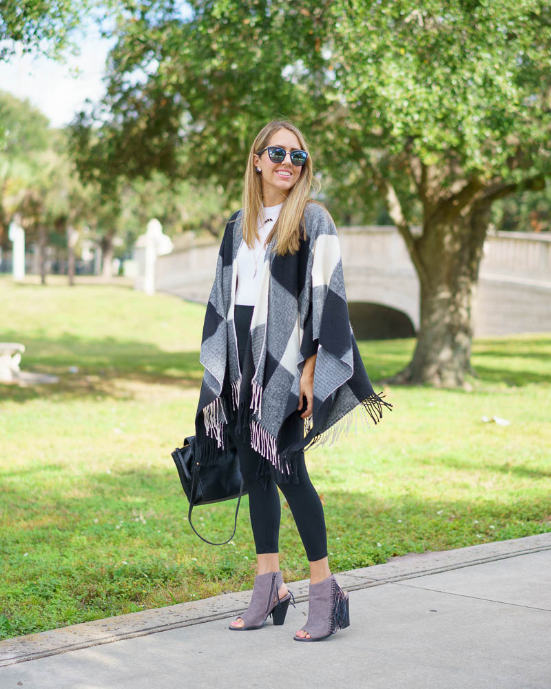 Plaid poncho, Yummie leggings