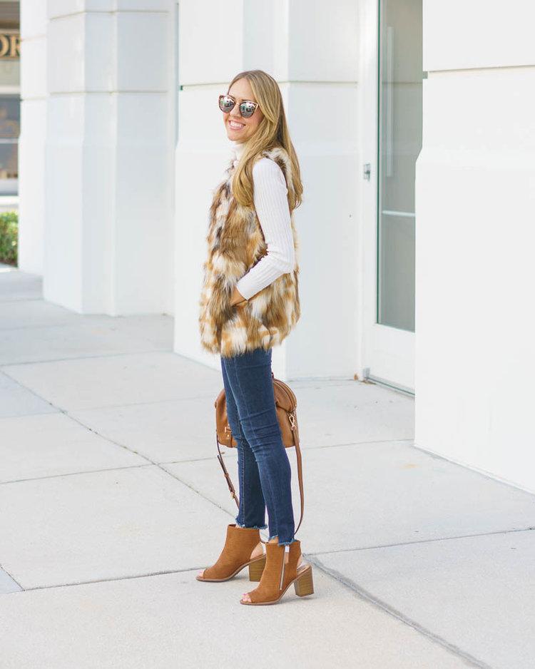 Faux+fur+vest,+skinny+jeans,+ankle+boots.jpeg