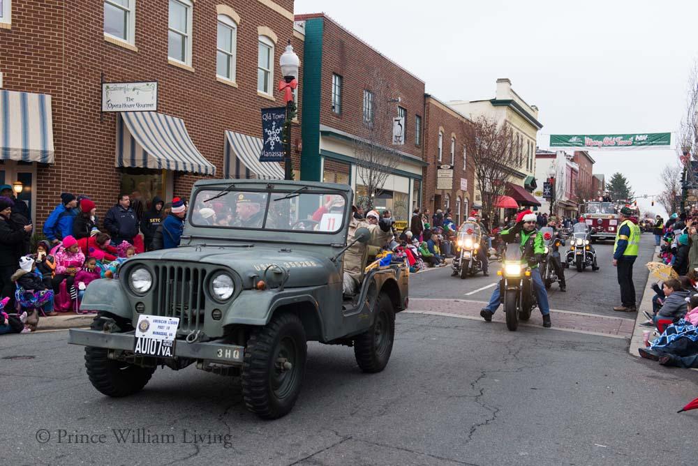 PWLiving Christmas Parade  ManChristParade_RJinks (314).jpg