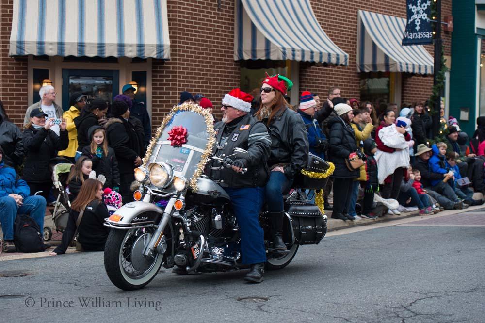 PWLiving Christmas Parade  ManChristParade_RJinks (71).jpg