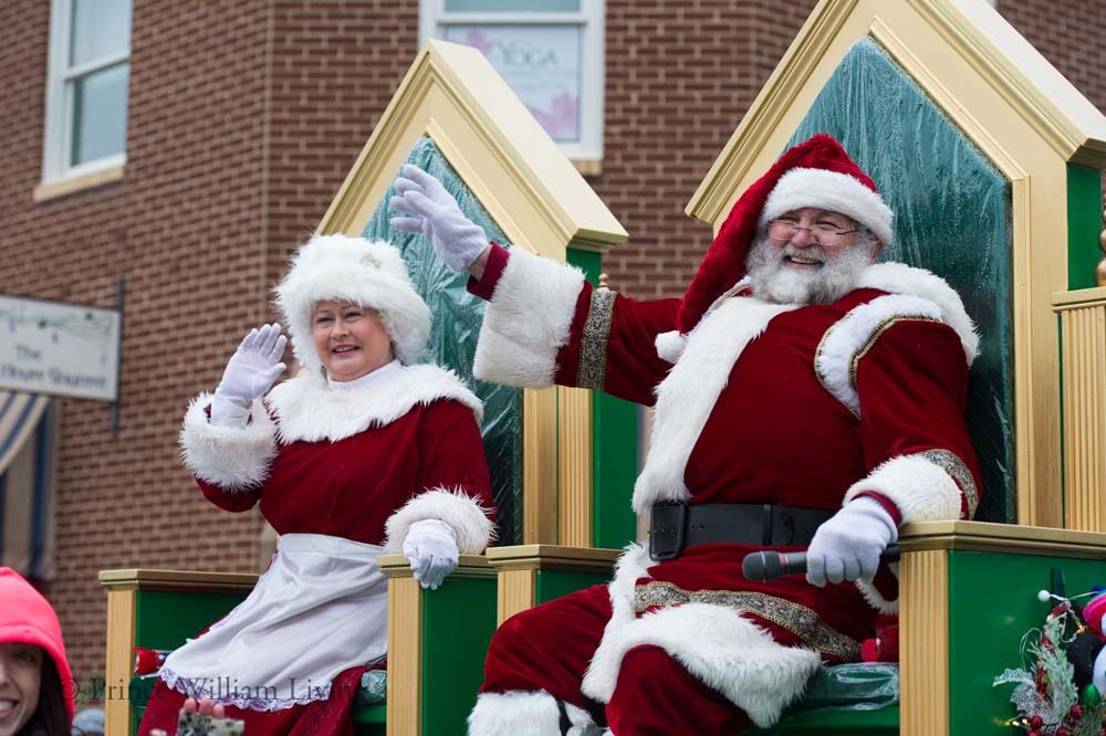 PWLiving Christmas Parade  ManChristParade_RJinks (280).jpg