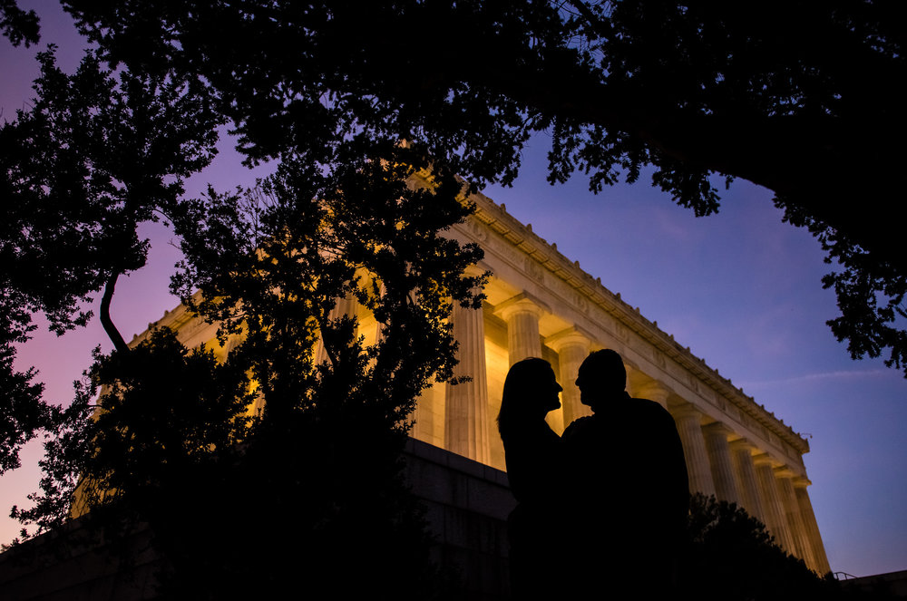 Engagement session at the Lincoln Memorial