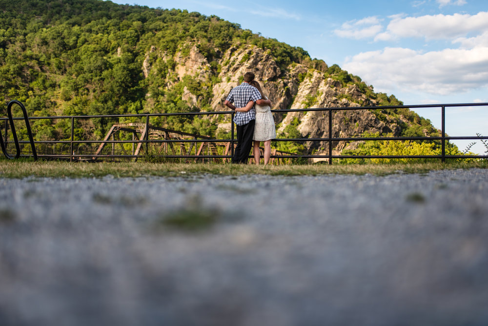 engagement session at harpers ferry