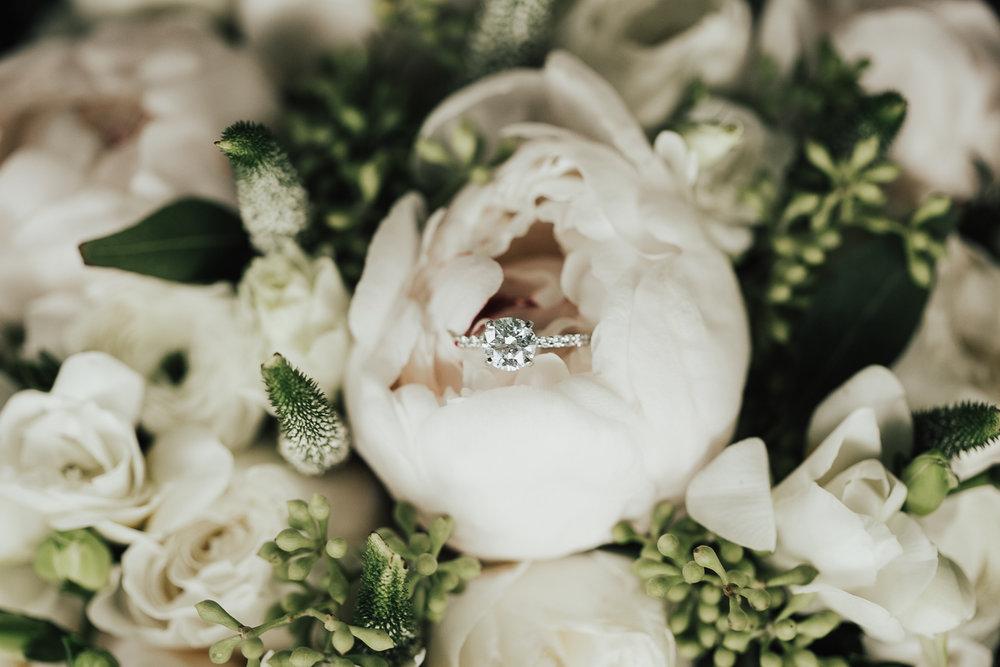 1_Bride+Groom Prep_Makai Creative-10.jpg