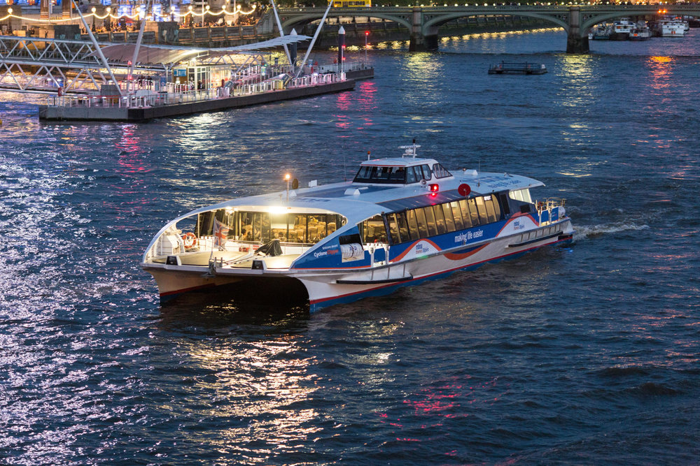 SS-MBNA Thames Clippers - night.jpg