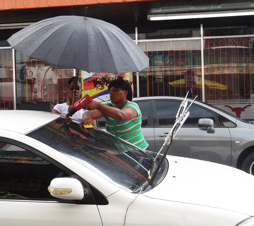 This is how they tint their windows in Trinidad - Street style