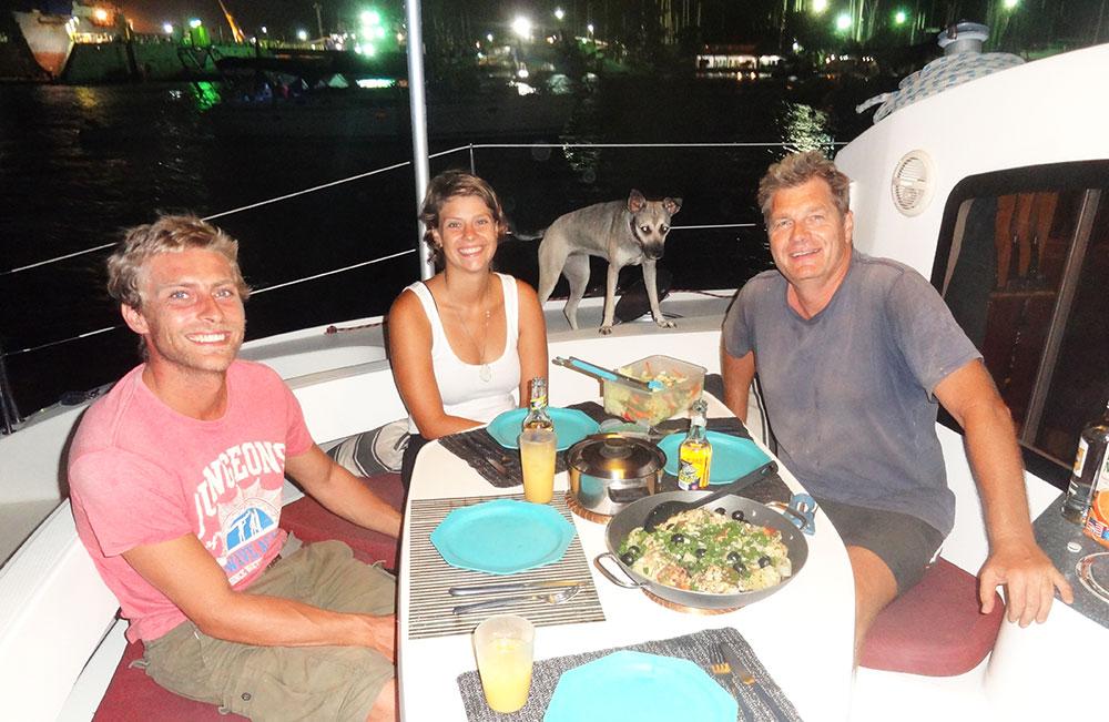 An awesome dinner on Onda Boa with Peter and Rodrigo - Thanks guys!
