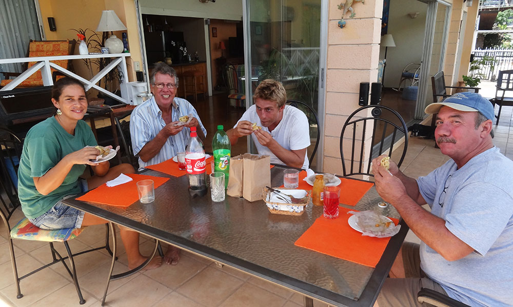 Lunch at the Amazon Lodge with Louise, Peter, Wil and Ken