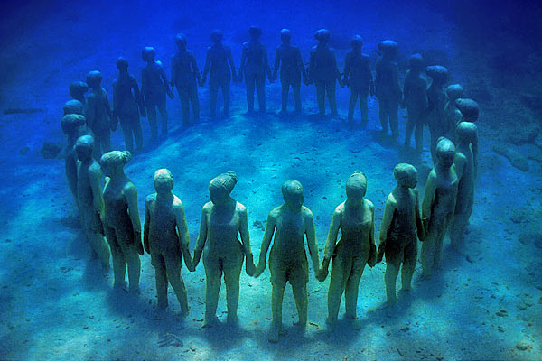 Grenada Underwater Sculpture Park - Click on the photo to go to the parks website