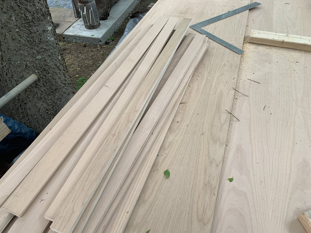 Quadratic residue diffusers have different well depths. We needed to cut the alder into thinner pieces. When we assemble the final piece, each of these will be placed at specific depths within the diffuser.