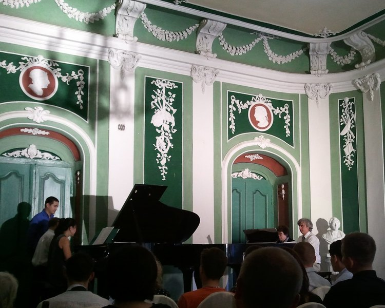 8-hand piano recital in Naleczow Palace, Poland