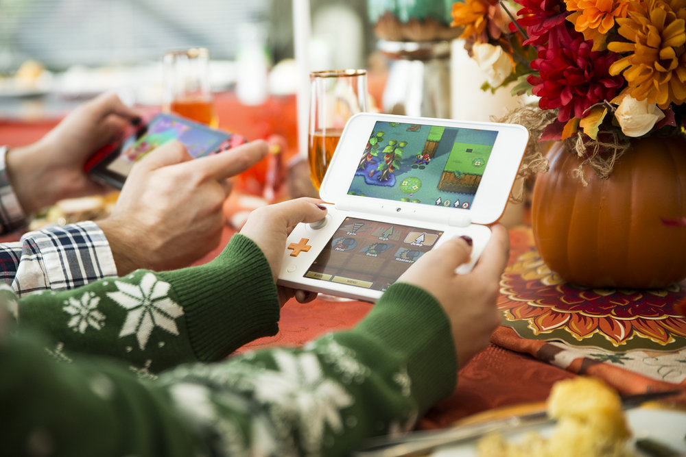 Thanksgiving lifestyle shoot for Nintendo of America showcasing hardware consoles. More images from the shoot  here .