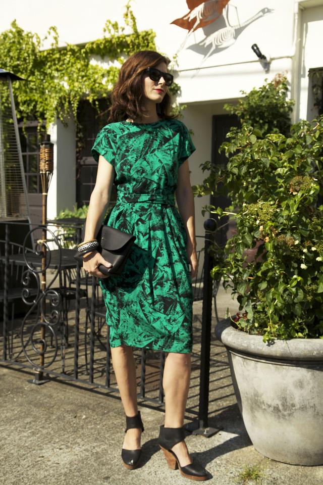 green vintage dress.jpeg