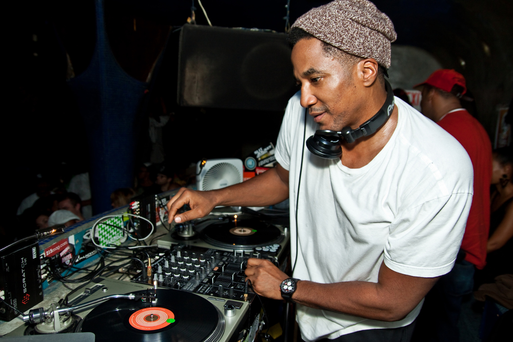 Q-Tip at Fluid Nightclub (PHI)
