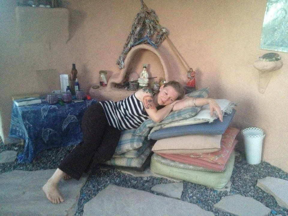 Our dear reader, chillin' in the East with Kwan Yin at Sekhmet Temple, creating new associations to her personal East <3
