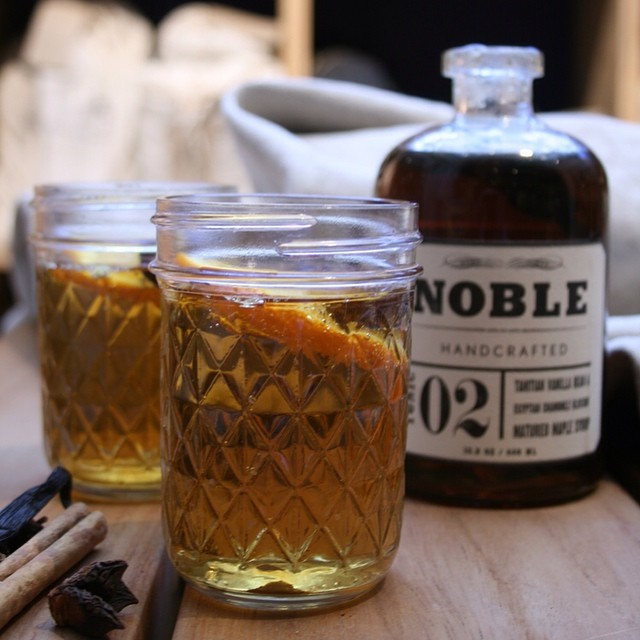 Mmmmm mulled cider with Tahitian Vanilla Maple Syrup from @ecooutdoor this was fun, toasty and delicious, warming up from the inside out. It's live at www.theoohblog.com #cocktail #mulledcider #maplesyrup #hipster #jar #mulled #winter #blog #ecooutdoor #drinks #toasty #noble #styling #linen #typography #outdoorlife