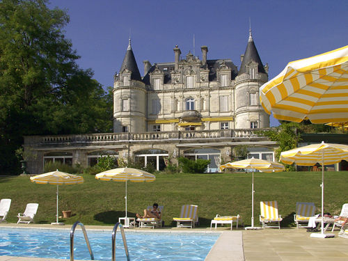 Our little home away from home, the Domaine de la Toriniere -     Let's do some laps together!