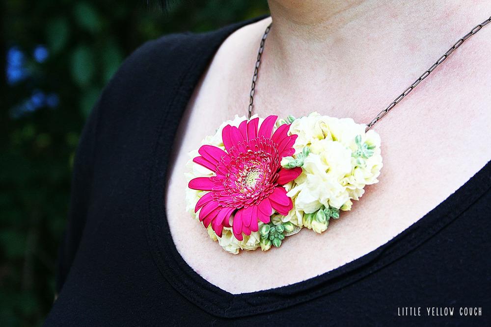 freshflowernecklace.jpg
