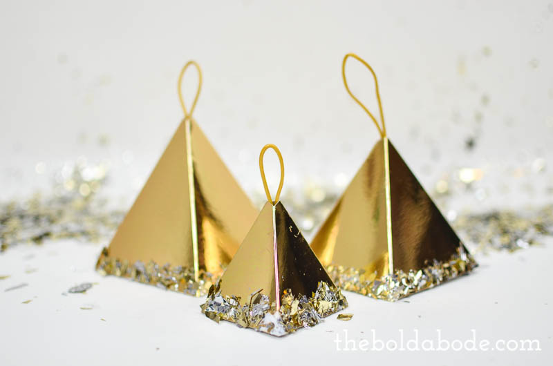 Find out how to make Gwen's confetti ornaments.