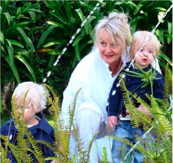 Miv Watts with grandchildren