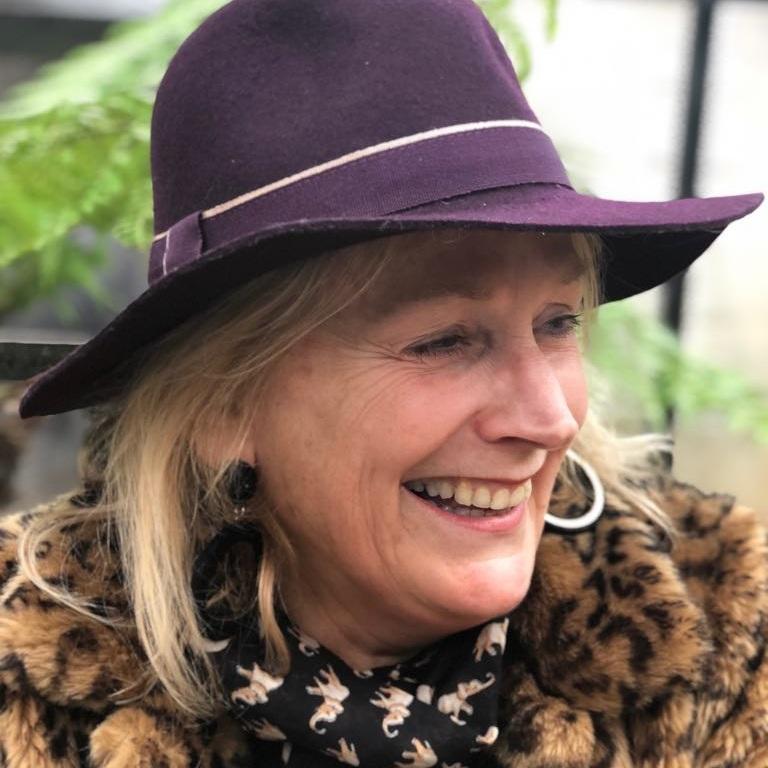 Angela Bunt