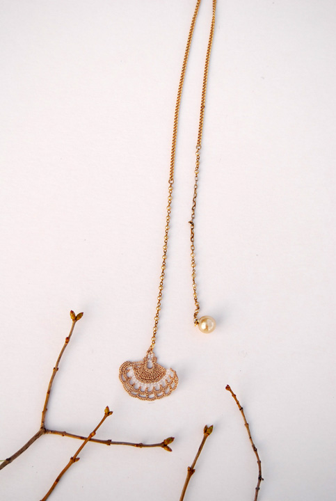 wheat and pearls lariat necklace.