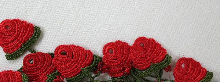 crocheted motif in poppy red!