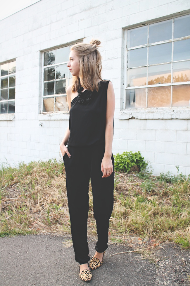 KISA assymetrical jumpsuit // Chelsea Lane of Zipped