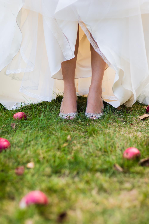 apple-orchard-wedding-harvard-25