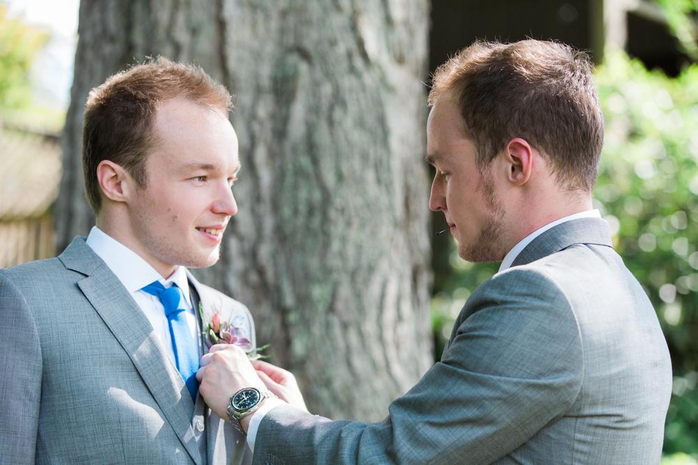Zukas-Hilltop-Barn-wedding-photos-13