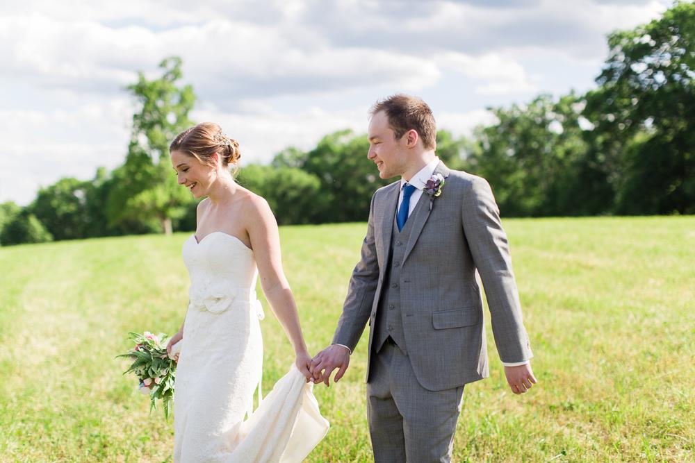 Zukas-Hilltop-Barn-wedding-photos-26
