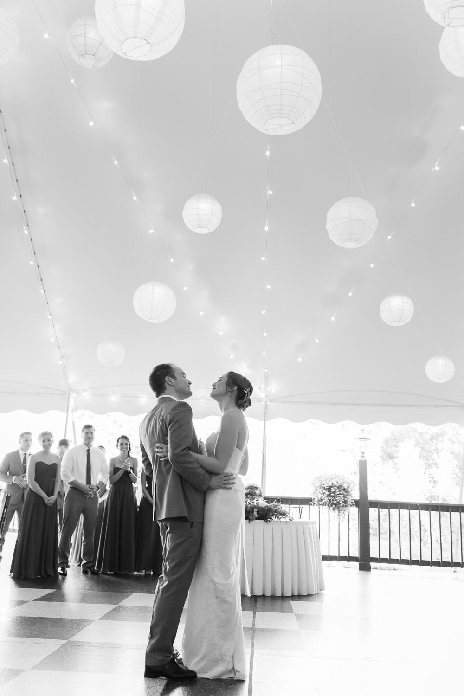 Zukas-Hilltop-Barn-wedding-photos-35