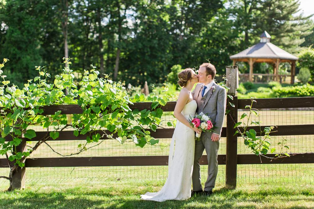 Zukas-Hilltop-Barn-wedding-photos-40