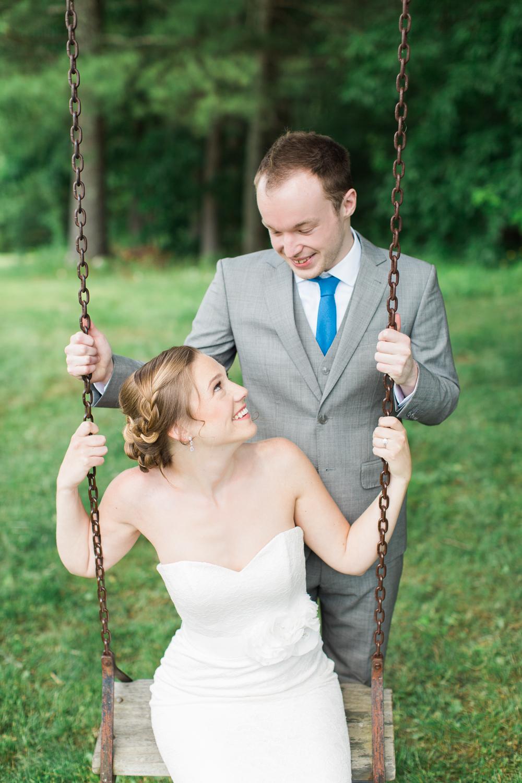 Zukas-Hilltop-Barn-wedding-photos-11