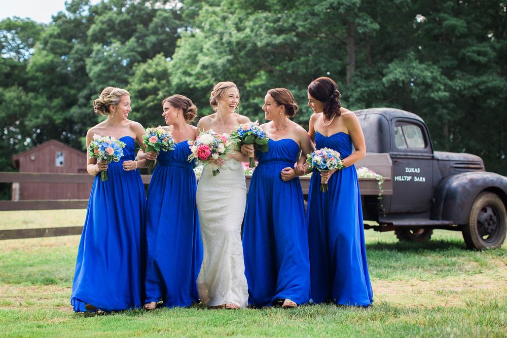 zukas-hilltop-barn-wedding-photography-32